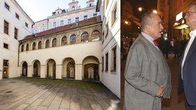 Tyršův dům je barokním palácem v centru Prahy. Karel Schwarzenberg (vlevo) a Miroslav Kalousek jsou bývalí předsedové TOP 09