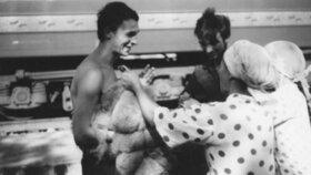 Jedna z mála dochovaných fotografií, na které se Jan Palach usmívá. Snímek je z jeho pracovního pobytu v SSSR.