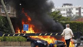 Ozbrojenci z islamistického hnutí zaútočili na keňský hotel (15. 01. 2019).