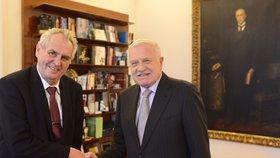 Prezident Miloš Zeman a jeho předchůdce Václav Klaus na Hradě (15. 1. 2019)