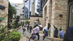Útok v Nairobi si vyžádal 21 obětí.