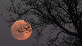 Zatmění Měsíce v Londýně