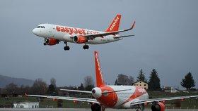 Letadlo nízkonákladové společnosti easyJet