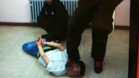 Šéf azylového centra v Německu šikanoval migranty. Soud mu za to udělil rok a tři měsíce v podmínce