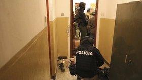 Slovenská policie zatýkala kvůli devět let staré vraždě politika. Měla ve zločinu prsty Alena Zs.?