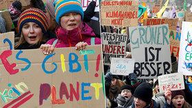 Tisíce německých školáků neúčastí na výuce demonstrují za co nejrychlejší odklon od uhelné energie. (25.1.2019)
