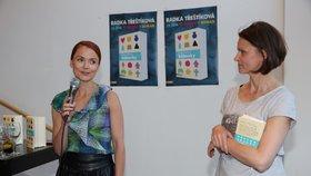 Spisovatelka Radka Třeštíková při prezentaci své knihy.