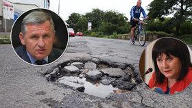 Hejtman Jiří Čunek (KDU-ČSL) tvrdí, že kraje na opravy silnic nemají dost prostředků. A rýpl si do ministryně financí Schillerové (za ANO)