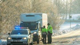 Veterináři společně s policií spustili důkladné kontroly masa dováženého z Polska. (5.2.2019)