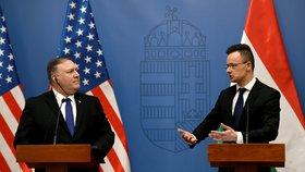 Ministr zahraničí USA Mike Pompeo a jeho maďarský protějšek Péter Szijjártó v diskusi na tiskové konferenci