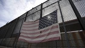 Výstavba Trumpovy zdi na hranicích USA s Mexikem (18. 2. 2019)