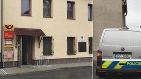 Přepadení pošty u Mladé Boleslavi. Policie je na místě