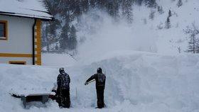 V Rakousku i Švýcarku padaly laviny - ilustrační foto