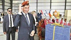 Babiš před summitem EU a LAS v egyptském Šarm aš-Šajchu navštívil mírovou misi na Sinaji