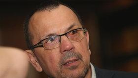 Rebel Foldyna opouští po 30 letech ČSSD, poslancem zůstane. A zmínil zpupnost.