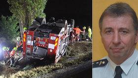 Policie obvinila hasiče, který za volantem cisterny havaroval u Šumperka. Na místě zemřel jeho kolega