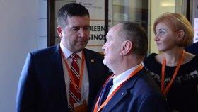 Jan Hamáček a Michal Hašek na sjezdu ČSSD. (1.3.2019)