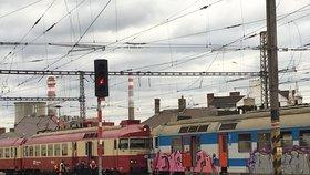 V Brně na nádraží se v úterý ráno srazily dva vlaky.