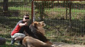 Muže ve Zděchově rozsápal lev: Zvíře choval na černo.