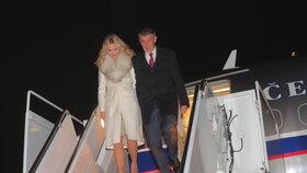 Andrej Babiš s manželkou Monikou po příletu do Washingtonu (5.3.2019)