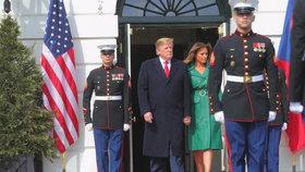 Donald Trump s manželkou Melanií během návštěvy českého premiéra v Bílém domě