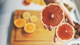 Grapefruit jako superpotravina. Zlepšuje imunitu, snižuje cholesterol a pomáhá při hubnutí