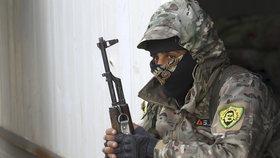 ISIS podle arabsko-kurdské koalice SDF drží rodiny jako živé štíty. Dobývání poslední bašty chalífátu se chýlí ke konci, (19.03.2019).