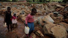 Bouře Idai má v Mosambiku stovky obětí, země žádá o zahraniční pomoc.