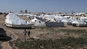 Po celé Sýrii během války s Islámským státem vyrostlo mnoho táborů