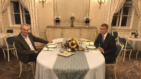 Prezident Miloš Zeman a premiér Andrej Babiš (ANO) na večeři v Lánech (25. 3. 2019)