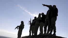 V severosyrském městě Manbidž přišlo o život sedm členů kurdsko-arabské koalice (SDF)
