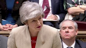 Britská premiérka Theresa Mayová při hlasování v parlamentu (29. 3. 2019)