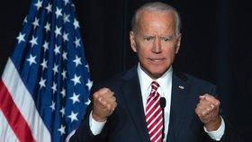 Možný kandidát na příštího amerického prezidenta Biden čelí obvinění ze sexuálního harašení.