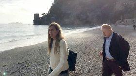Britský exministr zahraničí Boris Johnson se svou mladou přítelkyní Carrie Symondsovou na výletu v Itálii.