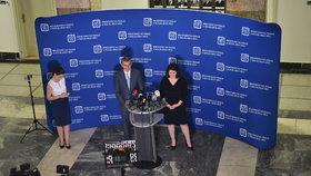 Premiér Andrej Babiš (ANO) s ministryní práce a sociálních věcí Janou Maláčovou (ČSSD)