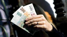 Nástupní plat mají někteří knihovníci jen lehce nad minimální mzdou.