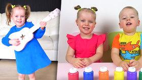 Malí sourozenci jsou hvězdami YouTube: Roztomilá videa jim za rok vynesla téměř 30 milionů!