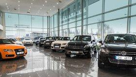 Skupina autobazarů AAA Auto letos plánuje zvýšení prodeje na rekordních 100 000 ojetých aut z loňských 83 000 vozů