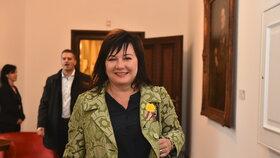 Alena Schillerová (za ANO) při příchodu na jednání vlády