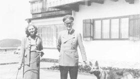 Adolf Hitler se svou milenkou Evou Braunovou.