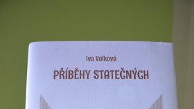 Obálku knihy a úvod kapitol ilustrovala Iva Hüttnerová