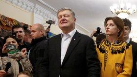 Na Ukrajině volí prezidenta. Mandát chce obhájit současná hlava státu Petro Porošenko. (21.4.2019)