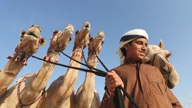 Emiráty jsou bohatý stát, který se chce tvářit tolerantně, ale realita je často jiná