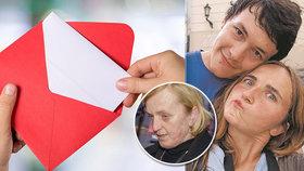 Rodiny zavražděných dostaly dopis.