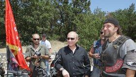 Noční vlci jsou známí i svou podporou a obdivem k ruskému prezidentovi Vladimiru Putinovi