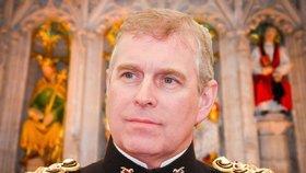 Princ Andrew je synem Alžběty II. a mladším bratrem prince Charlese