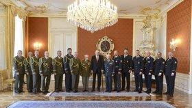 Prezident Miloš Zeman jmenoval na Hradě 15 generálů. Koudelku však ne.