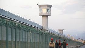Čínská vláda podniká systematické tažení proti muslimským menšinám.