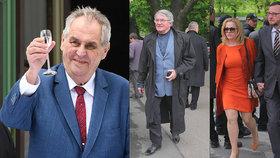 Na ruskou ambasádu dorazili Miloš Zeman a další tradeční hosté jako např. tanečník Harapes. A také expremiér Nečas s manželkou Janou