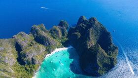 Thajská zátoka Maja v souostroví Pchi Pchi (ilustrační foto)